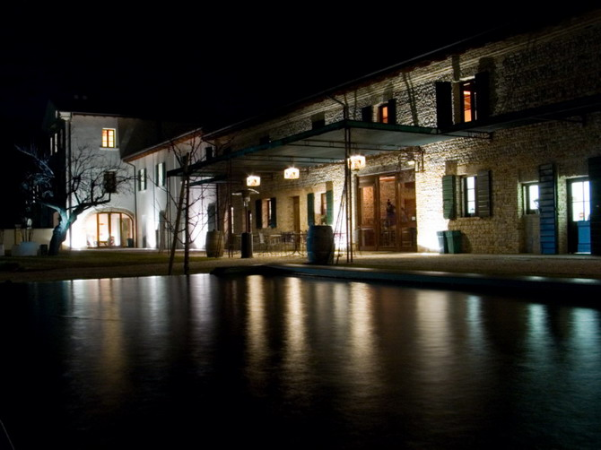 fiume, villa bassi by night